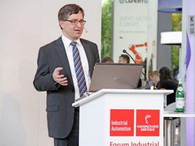 """Dr. Frank Nagel hielt einen Vortrag im Rahmen des """"Forum Industrial Automation"""" zum Thema """"Berührungslose Temperaturmesstechnik in vernetzten Automatisierungslösungen"""""""