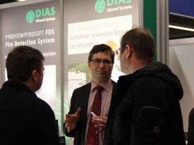 Auf der FeuerTRUTZ 2016 in Nürnberg führte DIAS viele Expertengespräche mit interessiertem Fachpublikum zum Thema Brandschutz.