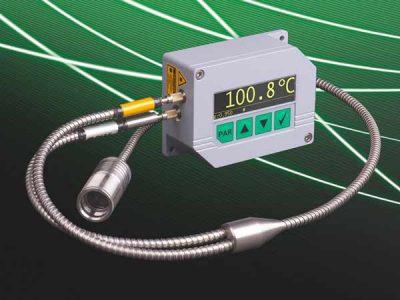 Das neue Pyrometer PYROSPOT DGEF 11N besitzt ein Y-Lichtwellenleiter und ein Laserpilotlicht. Es misst Temperaturen bereits ab 100 °C.