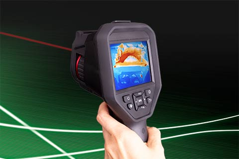 The thermal imager PYROVIEW M380L portable measures temperatures up to 550 °C.